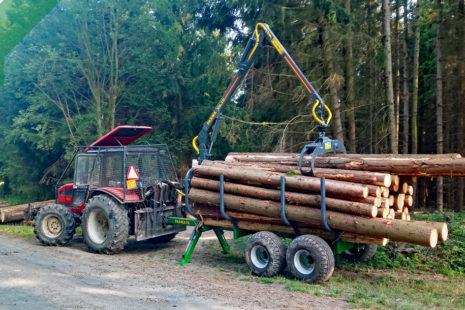 Traktorové vyvážečky a hydraulické ruky FARMA