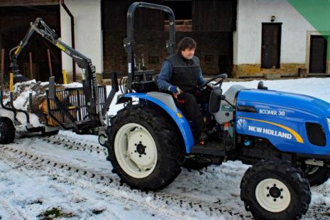 Traktor pro vyvážecí i další práce